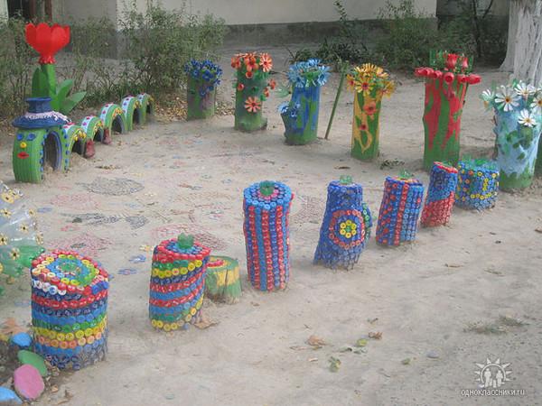 Украшения из пластиковых бутылок для детской площадки