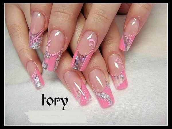 Дизайн ногтей в ярко розовых тонах