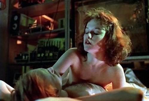 smotret-postelnie-stseni-iz-russkih-filmov