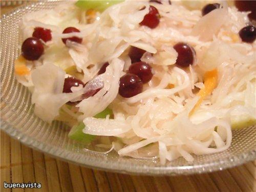 Калорийность салата из яблок и капусты