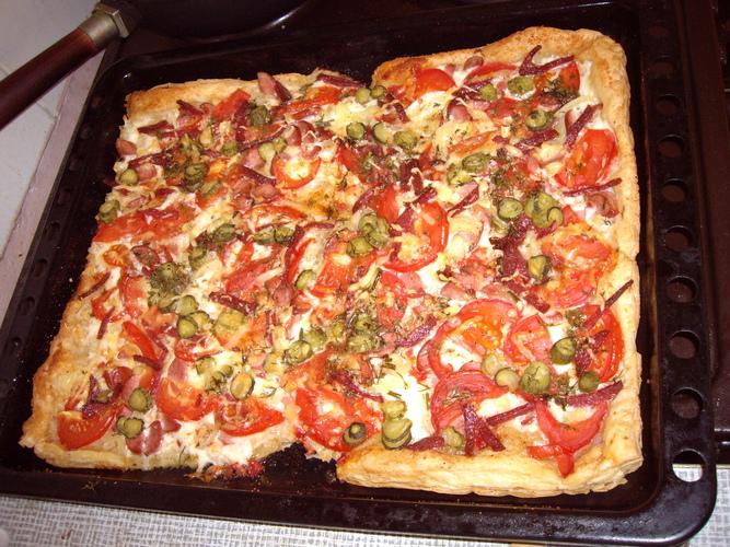 Пицца из готового дрожжевого слоеного теста рецепт