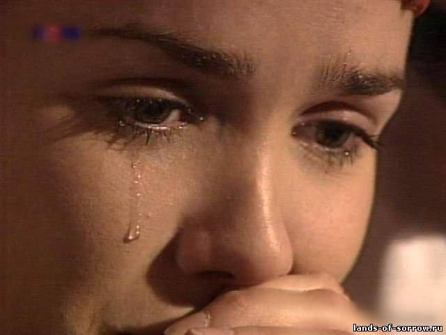 zaplakala-ot-boli