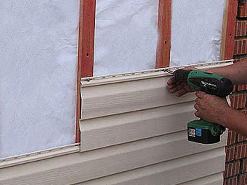 Отделка сайдингом деревянного дома с утеплением своими руками