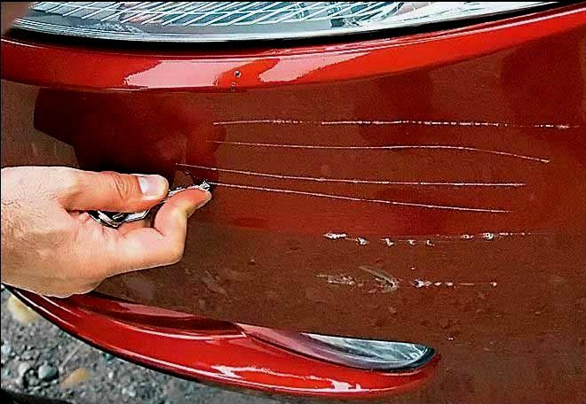 Как убрать царапины с панели в машине