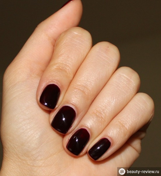 Бордовый гель лак на короткие ногти