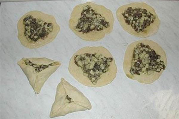 Как лепить треугольные пирожки пошагово