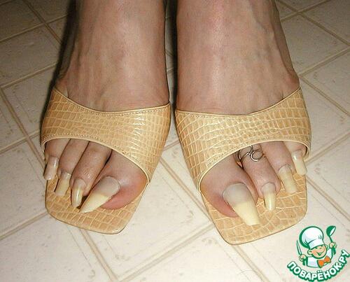 Длинные ногти ногах