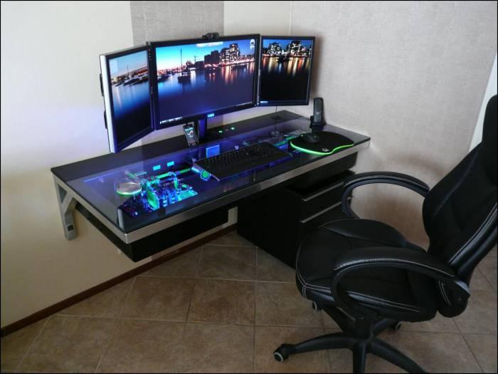 Самодельны компьютерный стол