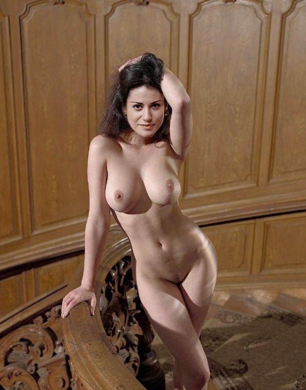 yulya-kovalchuk-golie-foto