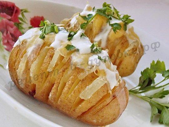 Шарлотка с яблоками из сметаны рецепт пошагово в духовке