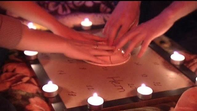 Как вызывать духов в домашних условиях без свечей