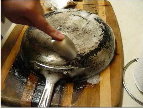 Как отмыть чугунную сковороду в домашних условиях 140