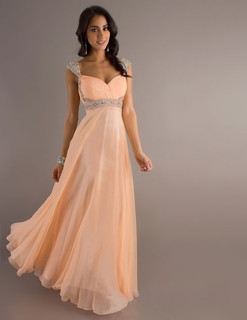 Платья на свадьбу в пол