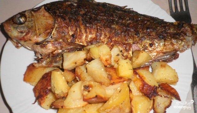 Речная рыба в фольге с картошкой в духовке рецепт