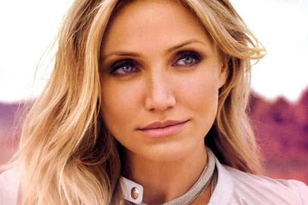 aktrisa-ameriki-blondinka