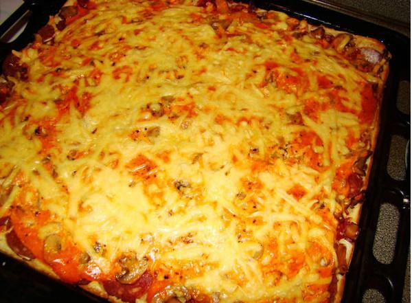 Рецепт пиццы в духовке в домашних условиях с грибами и колбасой