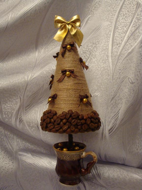 Сделать елочку своими руками из кофейных зерен