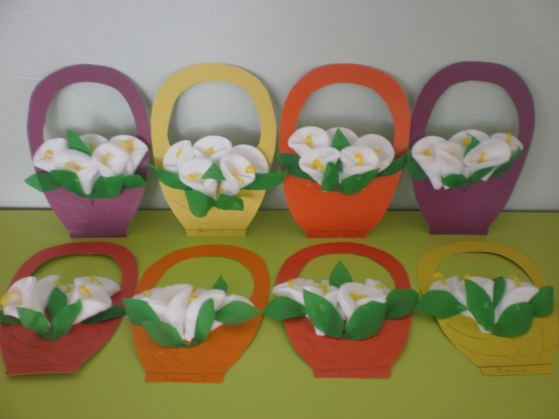 Подарок для мам своими руками в детском саду на 8 марта