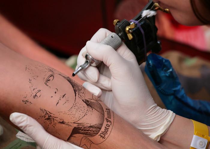 Как сделать из татуировку