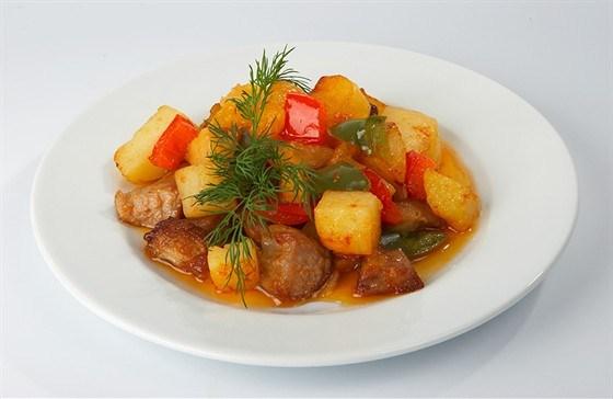 Рецепт рагу с мясом и овощами с пошагово в