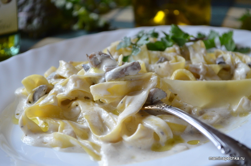 Рецепт пасты с курицей и грибами и сыром