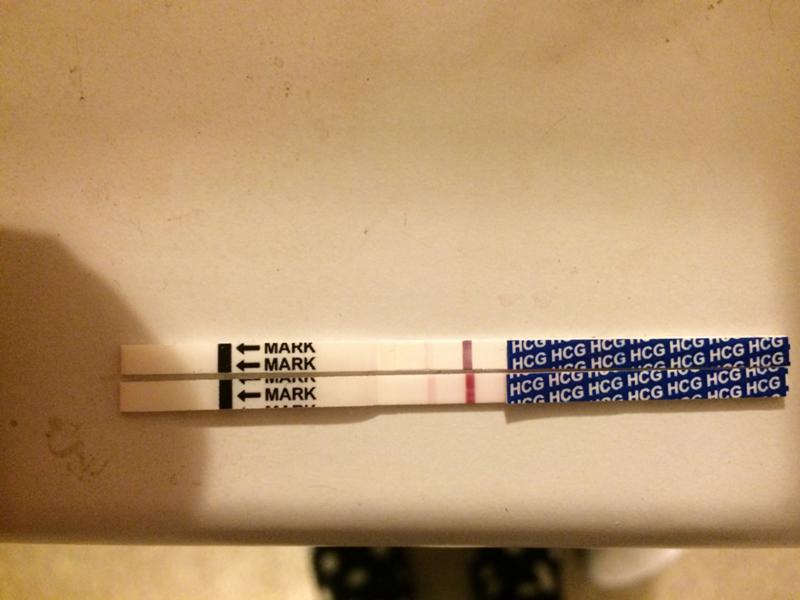Почему появляются растяжки на животе у беременных 2