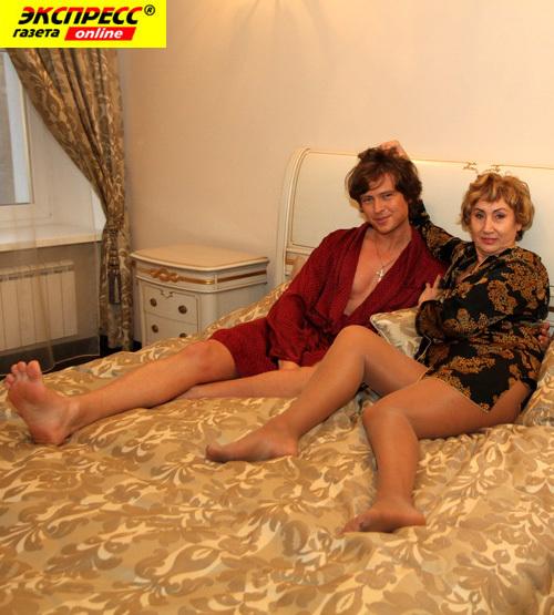 Голые Зрелые Тетки С Мужиками Фото