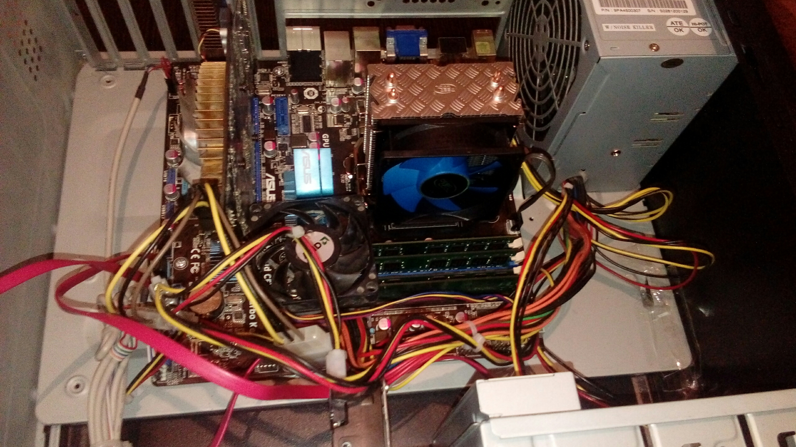 Почему выключается монитор компьютера сам по себе