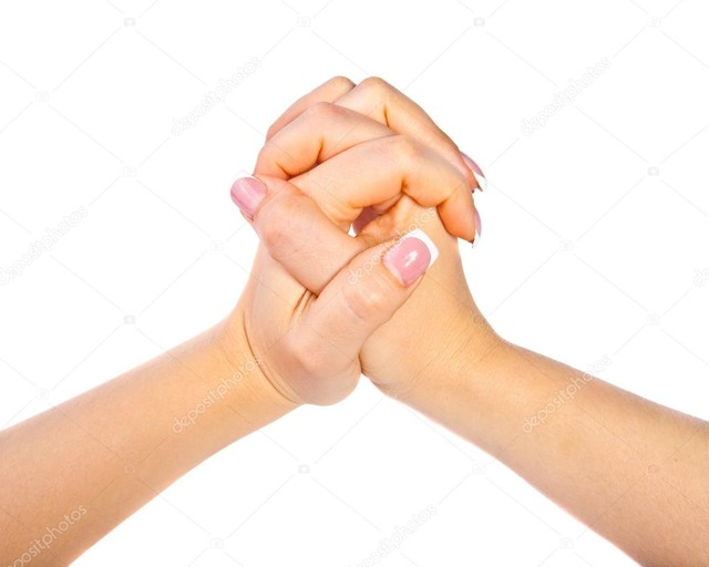 Две сплетенные руки