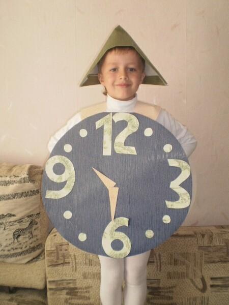 Костюм часы из картона