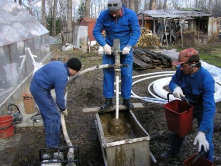 Как пробурить скважину своими руками на 40 метров