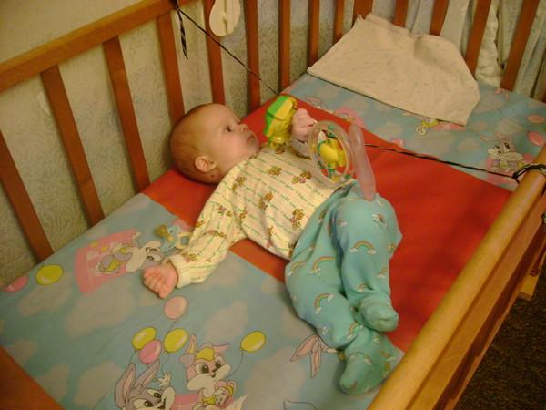 Погремушка на кроватку для новорожденных своими руками