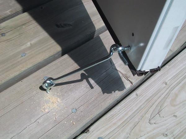 Крючок для закрывания двери