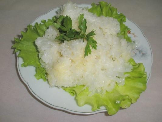 Салат с гребешками маринованными