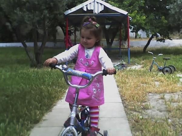 С какого возраста ребенка сажают на велосипед