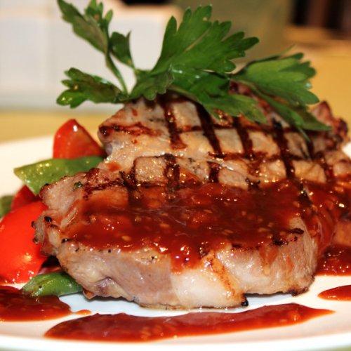 Стейк из свинины в соусеы