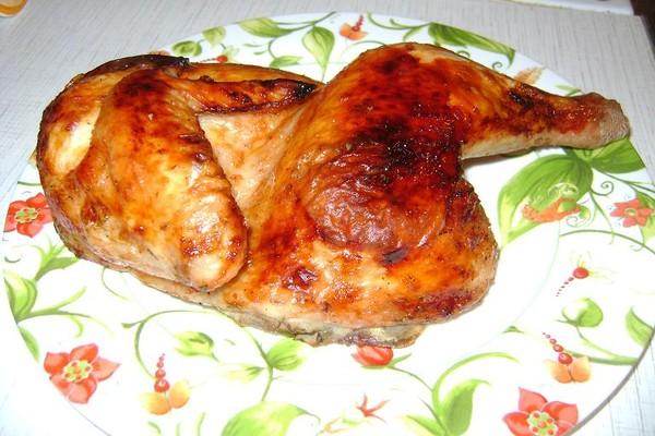 Целая курица в духовке вкусный и простой рецепт