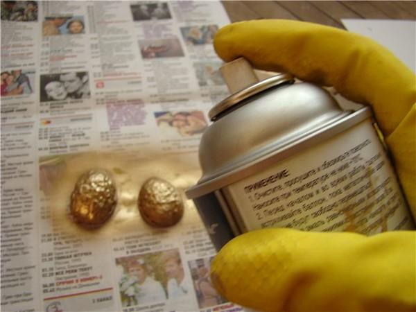 Баллончик с золотой краской для декора