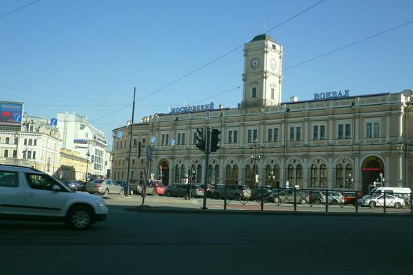moskovskiy-vokzal-piter-shlyuhi