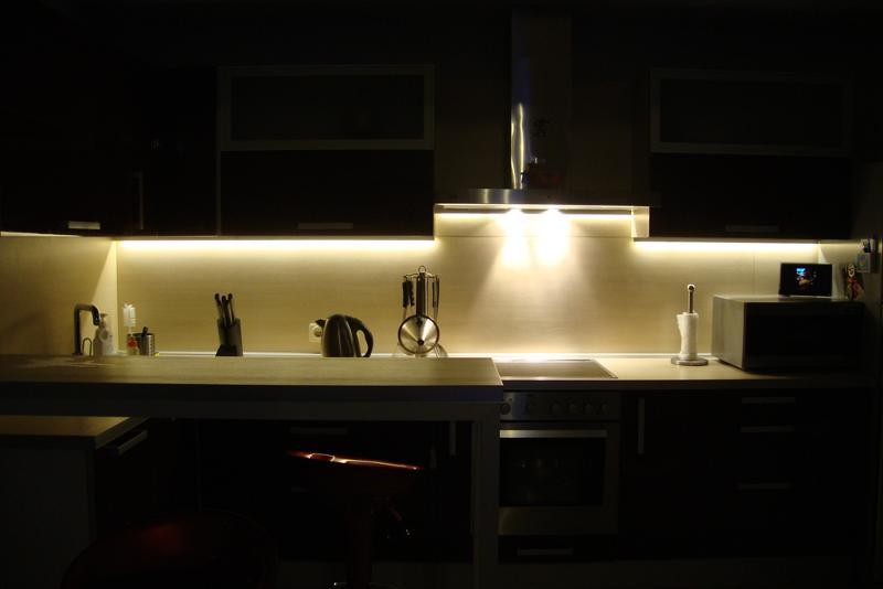 Как правильно сделать светодиодную подсветку на кухне