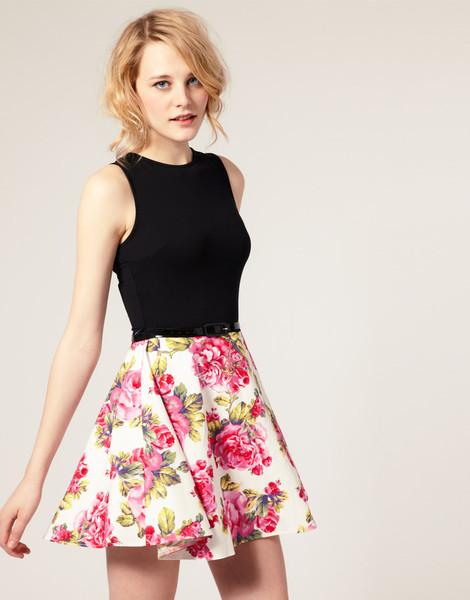 Приталенная юбка с чем носить