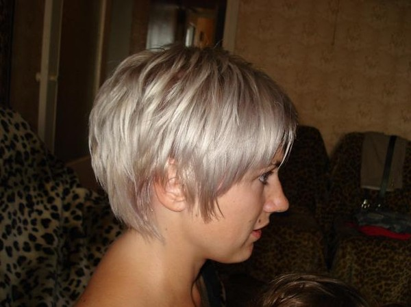 Пепельно русый цвет волос и стрижки