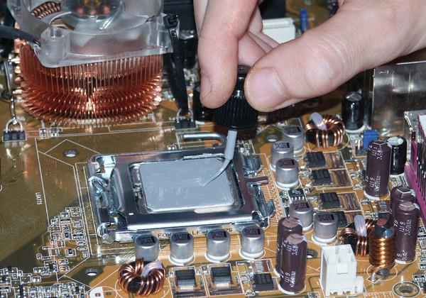 Чем смазать мобильных процессоров
