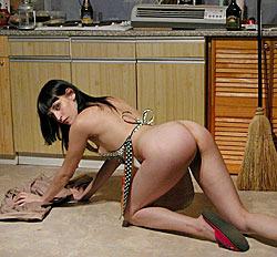 Порноролик моет пол фото 574-807