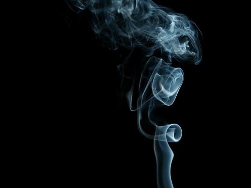 Дым в руках  № 3136107 бесплатно
