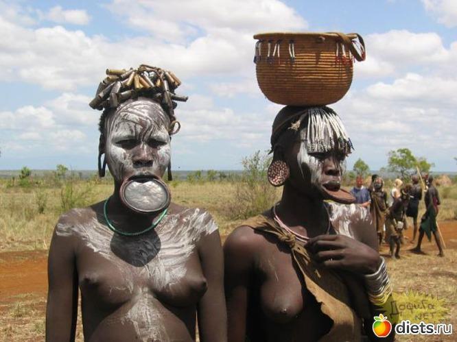 Профессиональные фото и красивые Девушки племени Хамер, находящегося в.