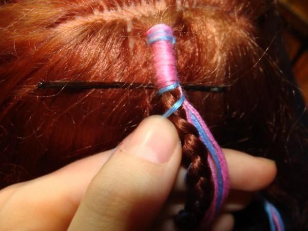 Как сделать косичку с нитками