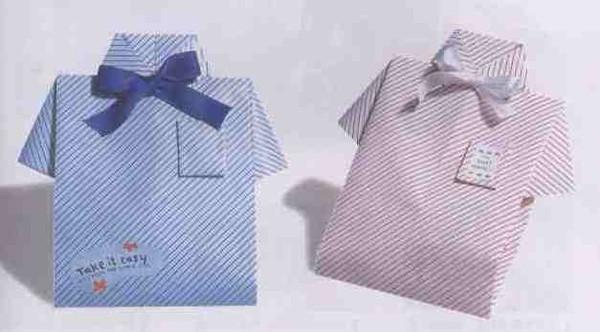 Как завернуть подарок мужчине в виде рубашки 53