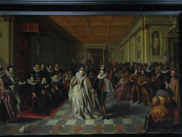Французский королевский двор периодически переезжал из замка в замок из-за