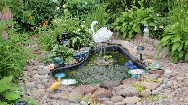 Как обустроить маленький пруд своими руками - Mmrr.ru
